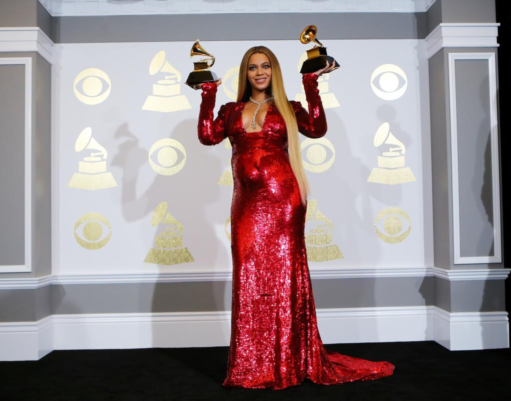 PÚBLICO - Os Museus do Vaticano vão comprar a fotografia de Beyoncé...?