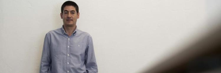 PÚBLICO - Director escolar exonerado por nomear mulher com aval da tutela