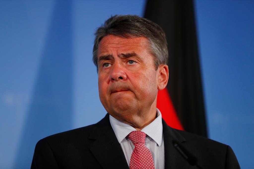 PÚBLICO - Alemanha endurece discurso e anuncia reorientação da política para a Turquia