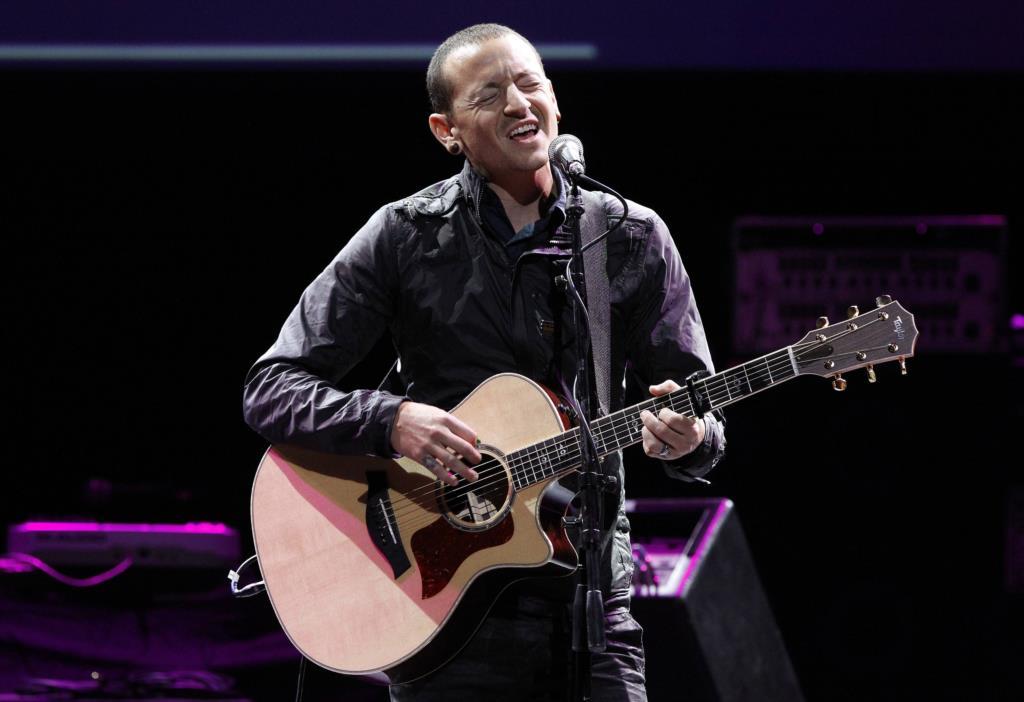 PÚBLICO - Morreu Chester Bennington, vocalista dos Linkin Park