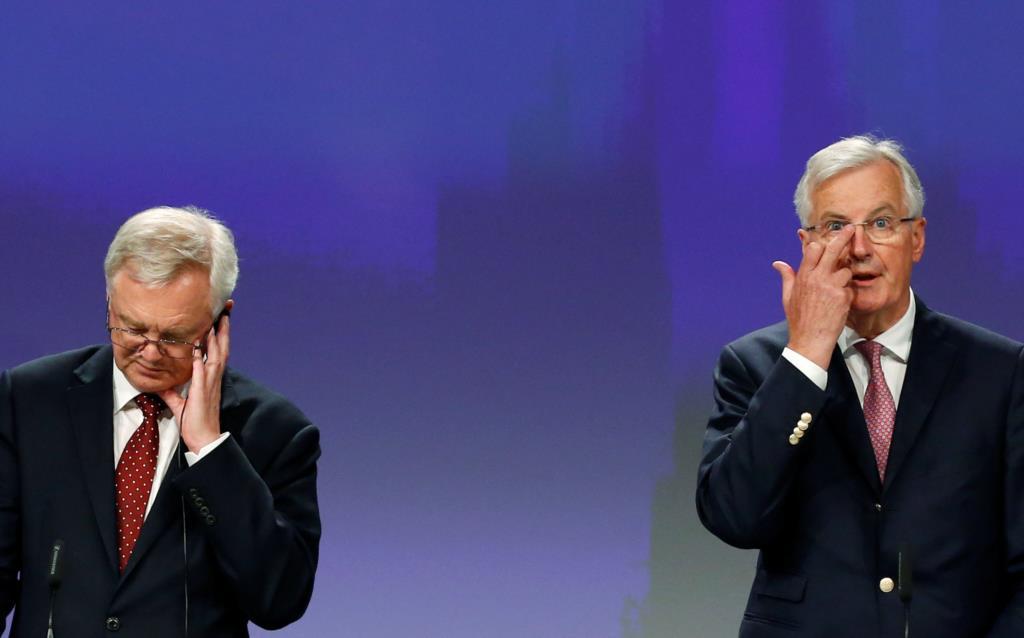 """PÚBLICO - Primeira ronda do """"Brexit"""" termina mas divisões fundamentais permanecem"""