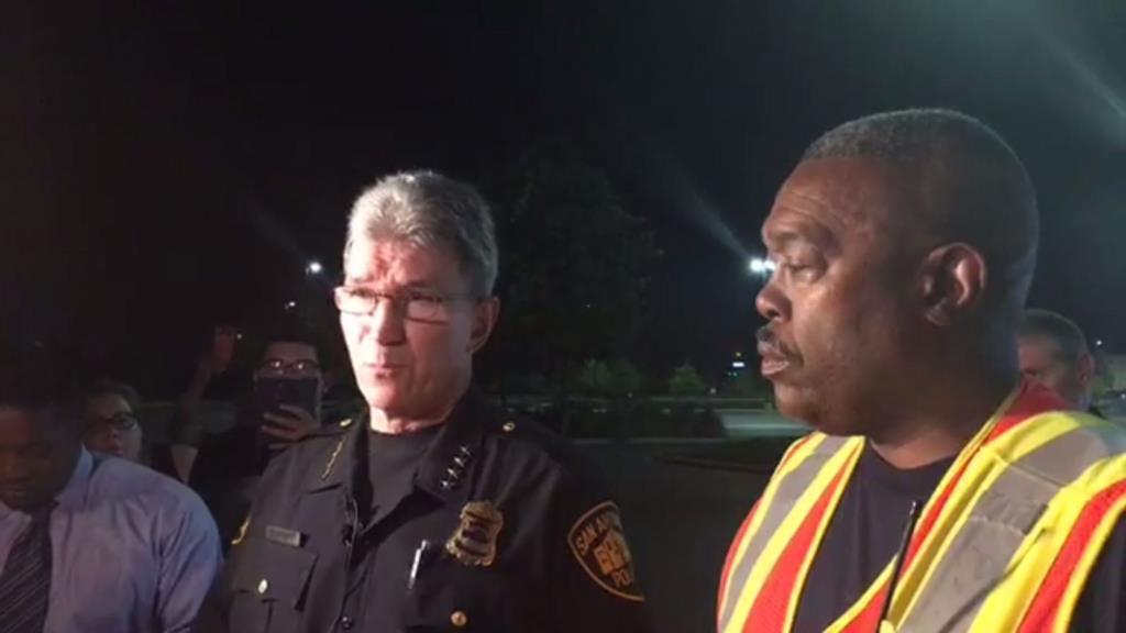 PÚBLICO - Polícia encontra oito mortos em atrelado no Texas