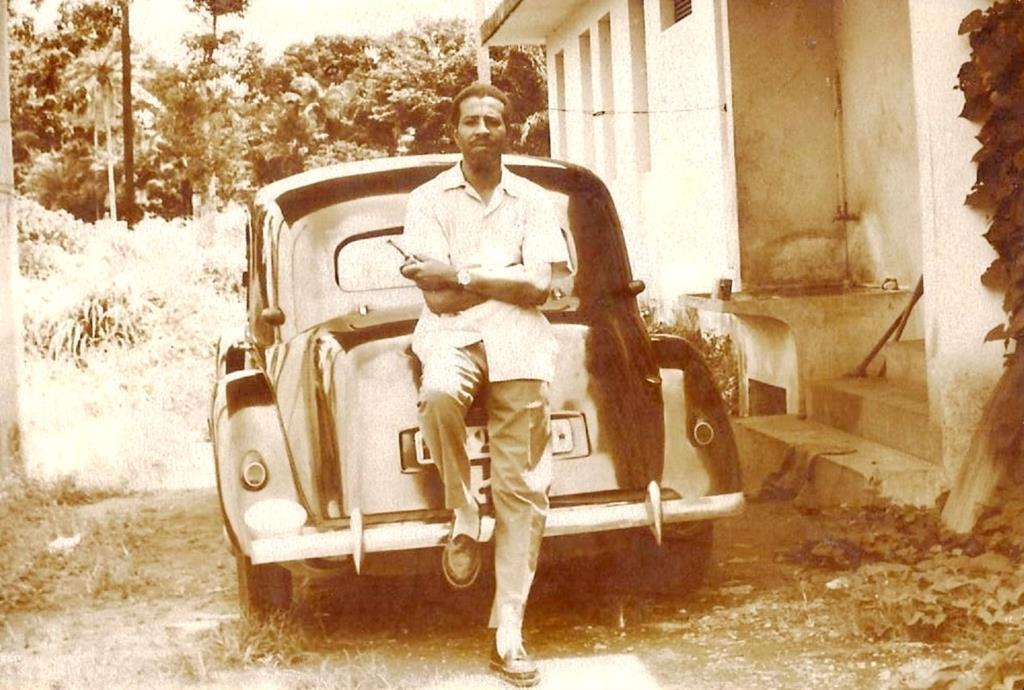 Hugo Azancot de Menezes em Angola