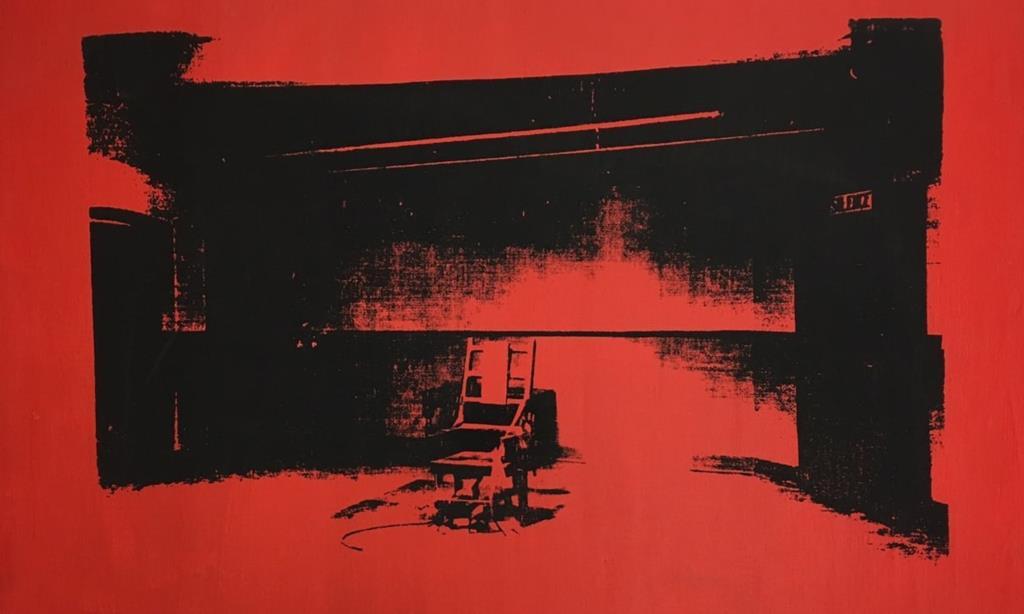 PÚBLICO - Encontrada a cadeira eléctrica que aproximou Alice Cooper e Andy Warhol
