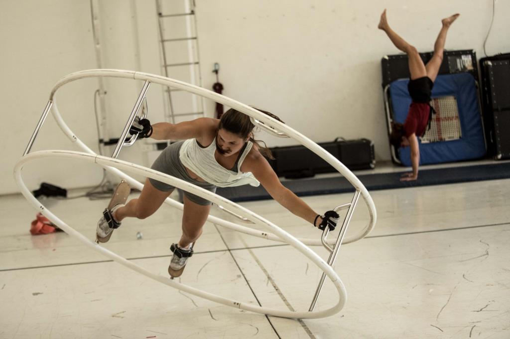 PÚBLICO - Há sangue novo no circo contemporâneo português
