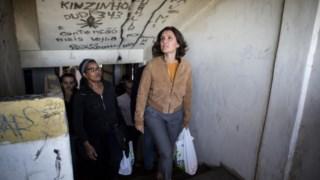 A oposição tem criticado o estado do bairro