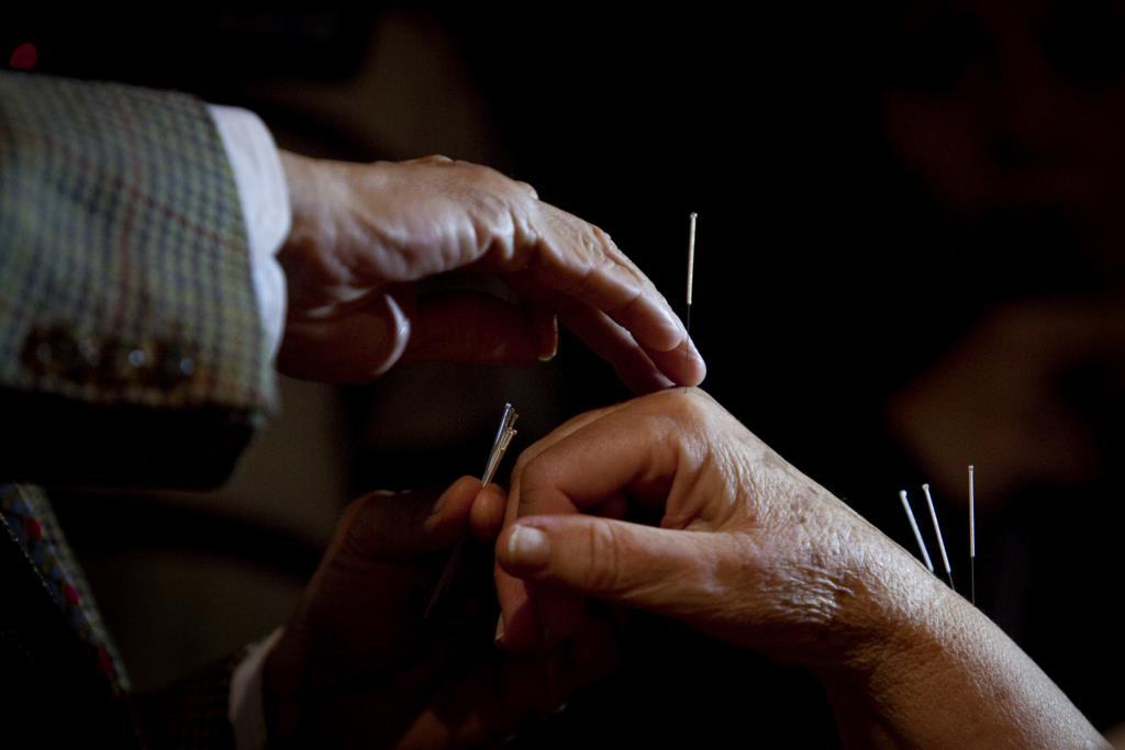 PÚBLICO - A acupunctura é eficaz para qualquer problema clínico?