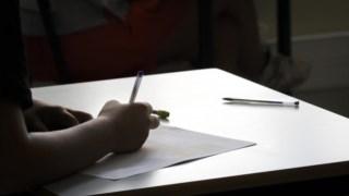 Terapeutas, psicólogos e animadores reclamam da situação laboral nas escolas