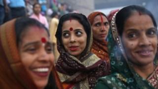 Mais de 40% das mulheres casadas com entre 15 e 49 anos já sofreram de violência doméstica na Índia