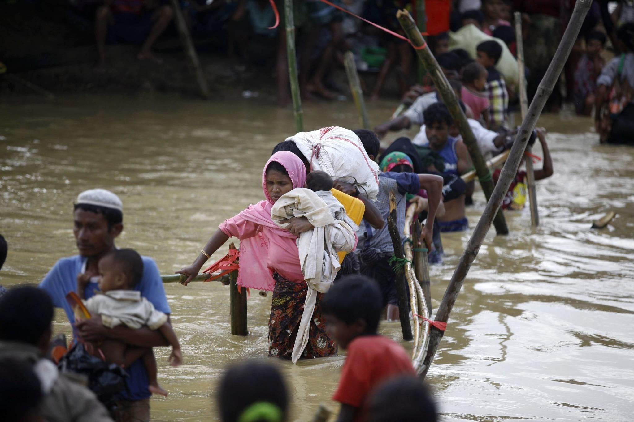 PÚBLICO - Facebook acusado de silenciar minoria étnica na Birmânia