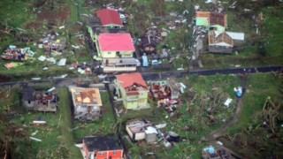 Efeitos do furacão em Dominica