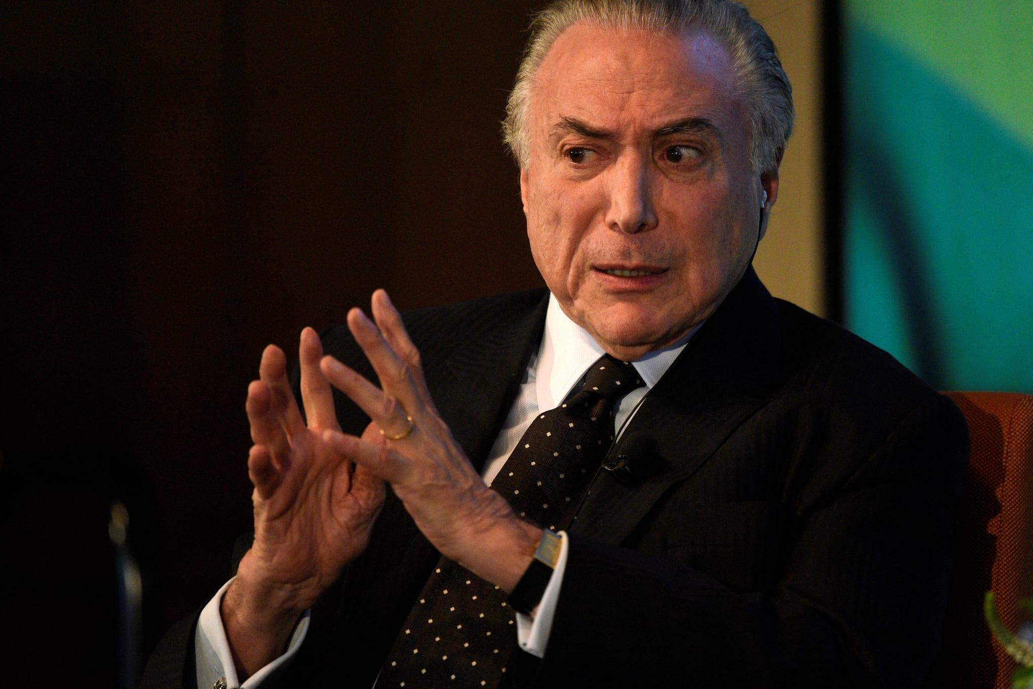 PÚBLICO - Supremo Tribunal brasileiro aprova denúncia contra Temer