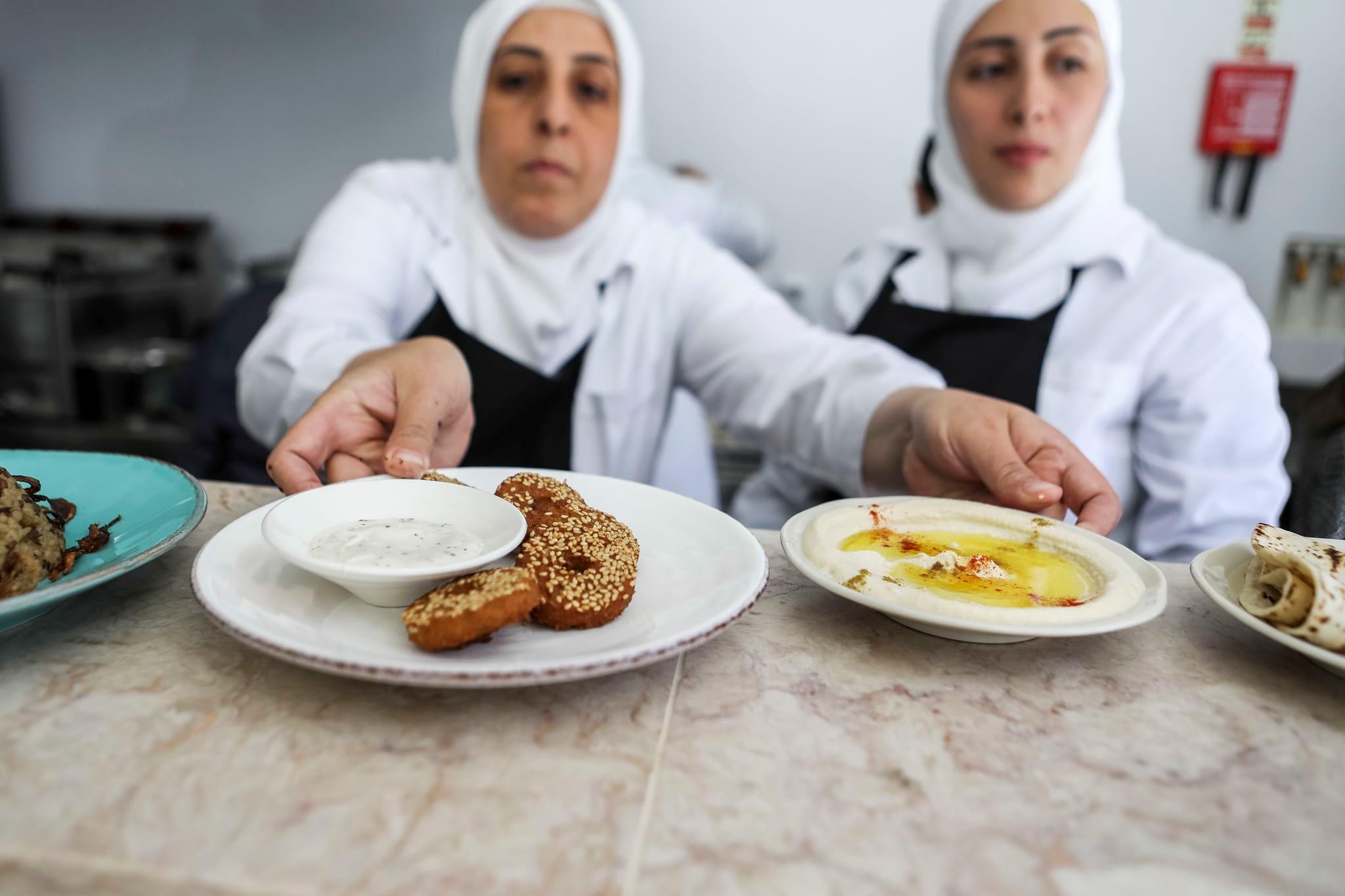 PÚBLICO - A segunda casa da síria Fatima tem a porta sempre aberta