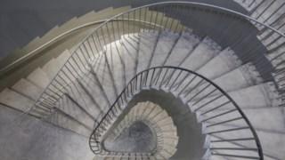 Escadaria dupla em caracol é já um ícone do novo edifício