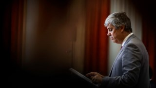 Ministério liderado por Mário Centeno confia que meta do défice será alcançada