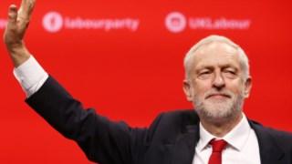 """Corbyn diz que """"o centro político não é hoje o mesmo que era há 20 ou 30 anos"""""""