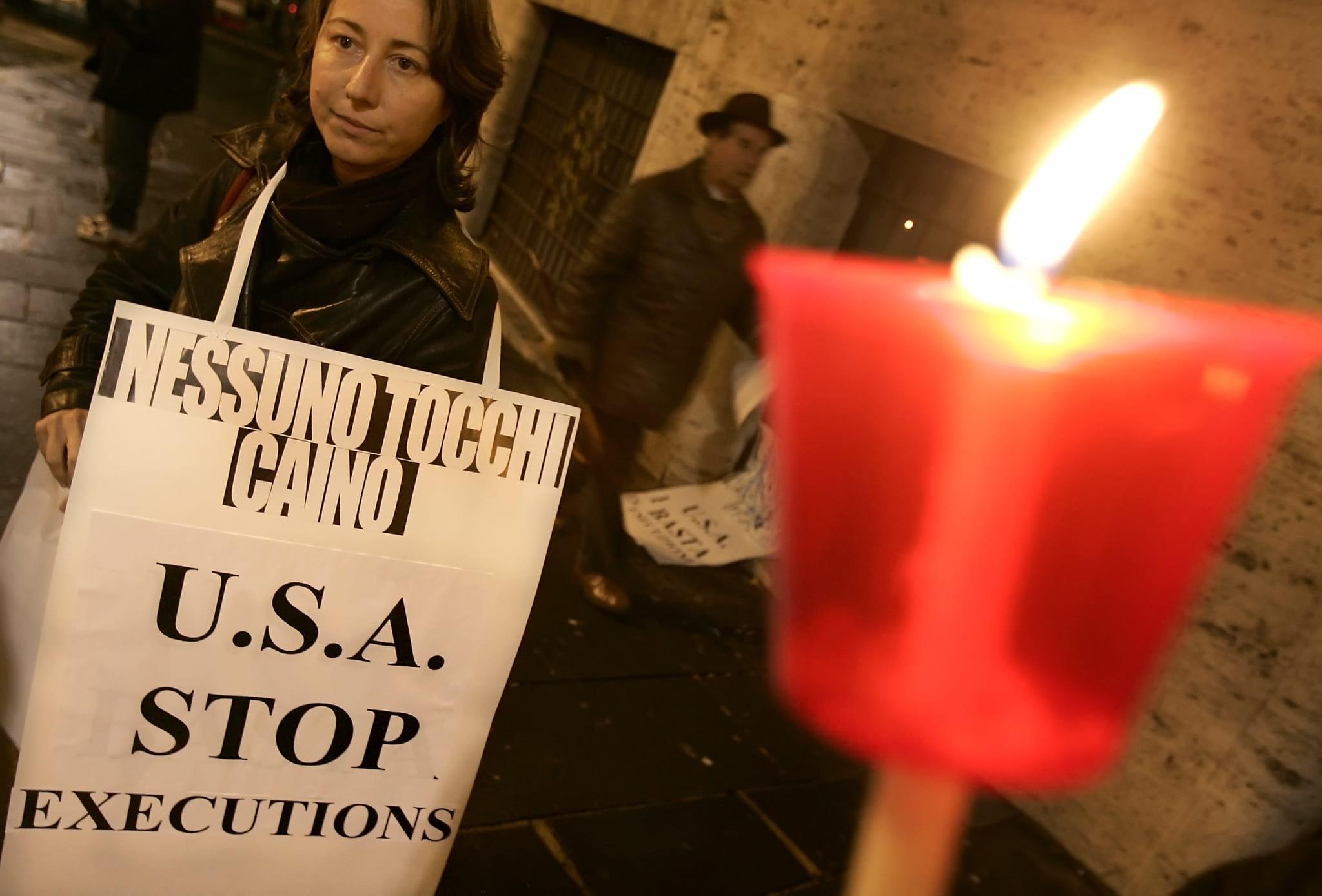 Activistas da Amnestia International protestam contra a pena de morte nos EUA