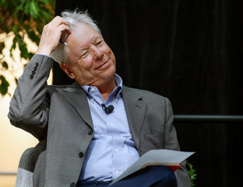 Richard Thaler é visto com dos pais da economia comportamental