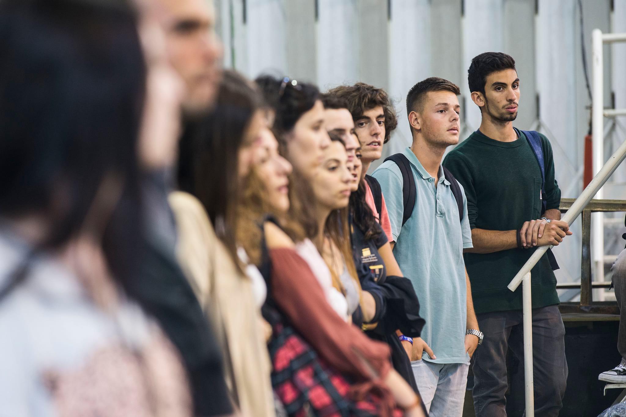 Resultado de imagem para Trabalhos de Verão e ordenados de estudantes deverão passar a pagar IRS