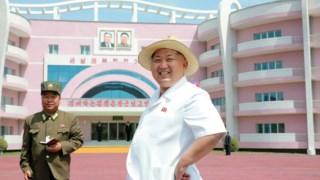 Kim Jong-un em Wonsan, talvez a cidade em que nasceu
