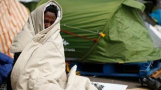 As imagens queriam promover medo dos refugiados, ao mostrar imagens falsas dos refugiados em Paris
