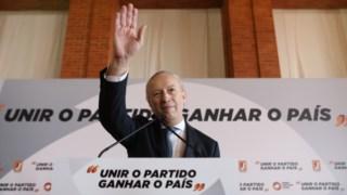 Pedro Santana Lopes no momento em que parte para a corrida eleitoral à liderança do PSD
