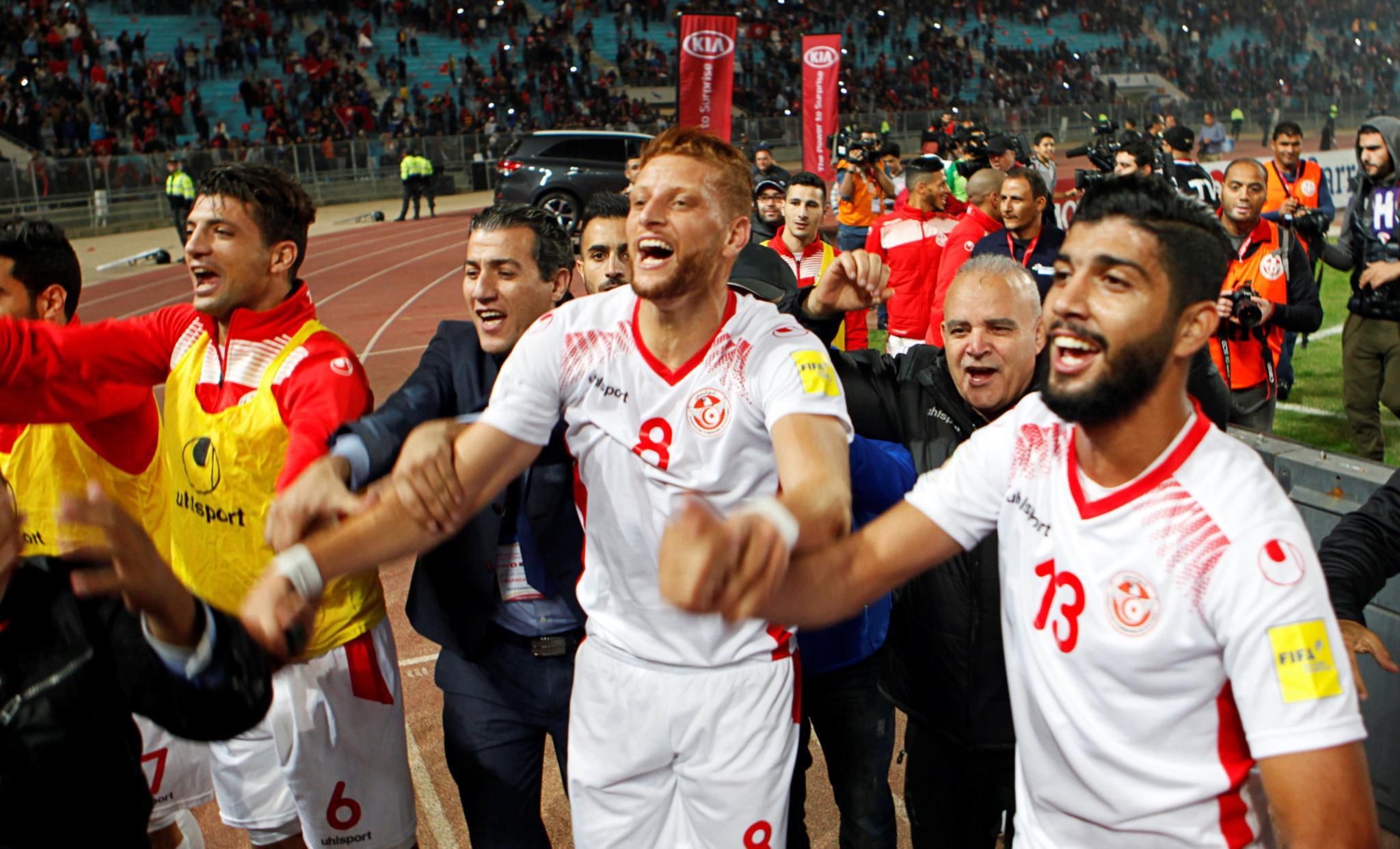 مونديال روسيا: الجراد يهدد مباراة تونس وإنجلترا