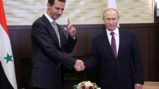 Bashar al-Assad reuniu-se com Vladimir Putin nesta segunda-feira, na Rússia