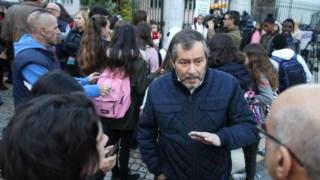 A Federação Nacional dos Professores decidiu levantar a greve depois de o Governo aceitar pela primeira vez discutir os horários de trabalho dos docentes