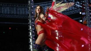 Alessandra Ambrosio desfilou pela última vez para a Victoria's Secret, em Xangai