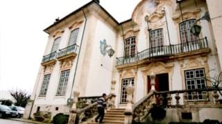 Paços do Conselho da Lousã ainda com as janelas antigas
