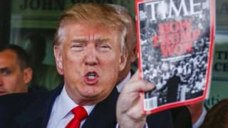 Donald Trump exibe a capa de revista a 19 de Janeiro de 2016