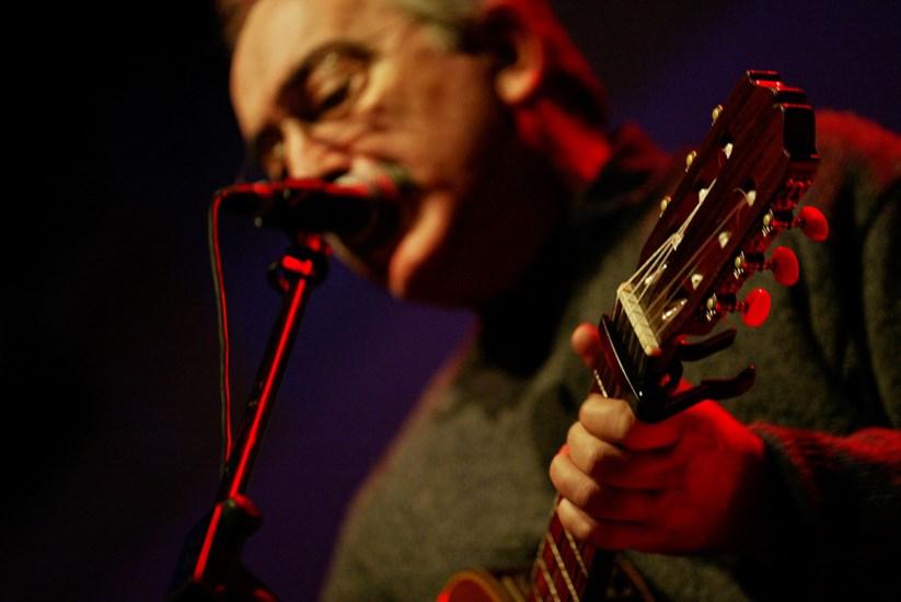 José Mário Branco num concerto em Lisboa em 2004