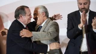 Carlos César está sob fogo de alguns socialistas pela reacção contra Ascenso Simões