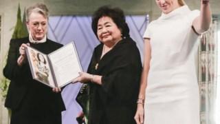 Momento da entrega do Nobel da Paz