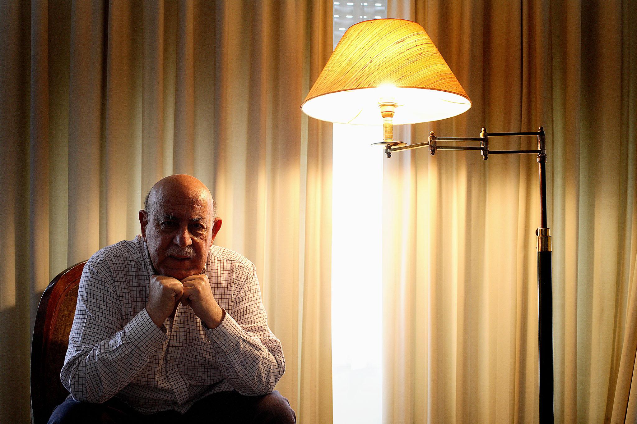 Armando Silva Carvalho era natural de Olho Marinho, Óbidos