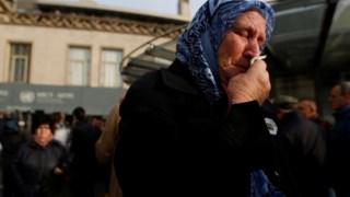 Reacções à porta do TPI-J depois de anunciada a condenação de Ratko Mladic