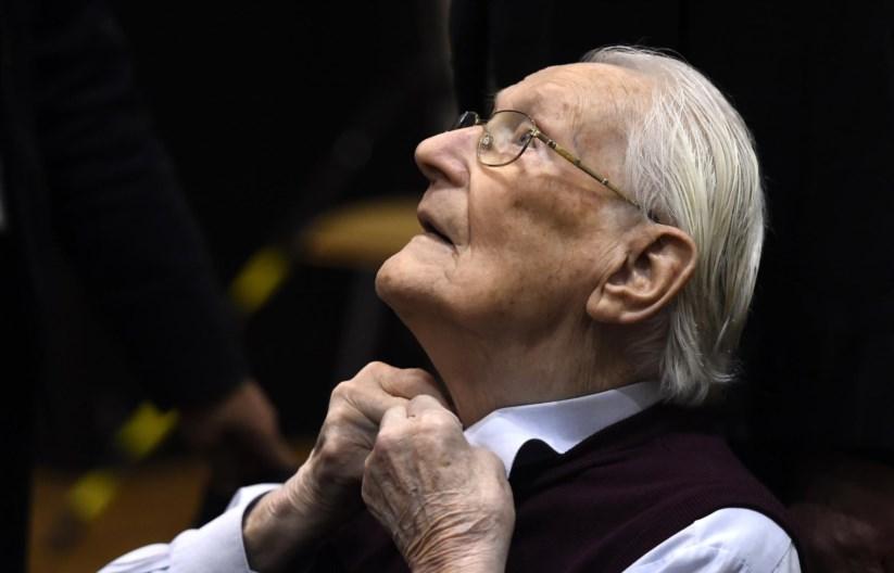 Oskar Gröning irá cumprir quatro anos de prisão pela morte de 300 mil pessoas em Auschwitz