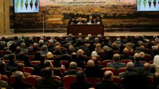 Mahmoud Abbas realizou um longo discurso no domingo antes da reunião do conselho central da OLP