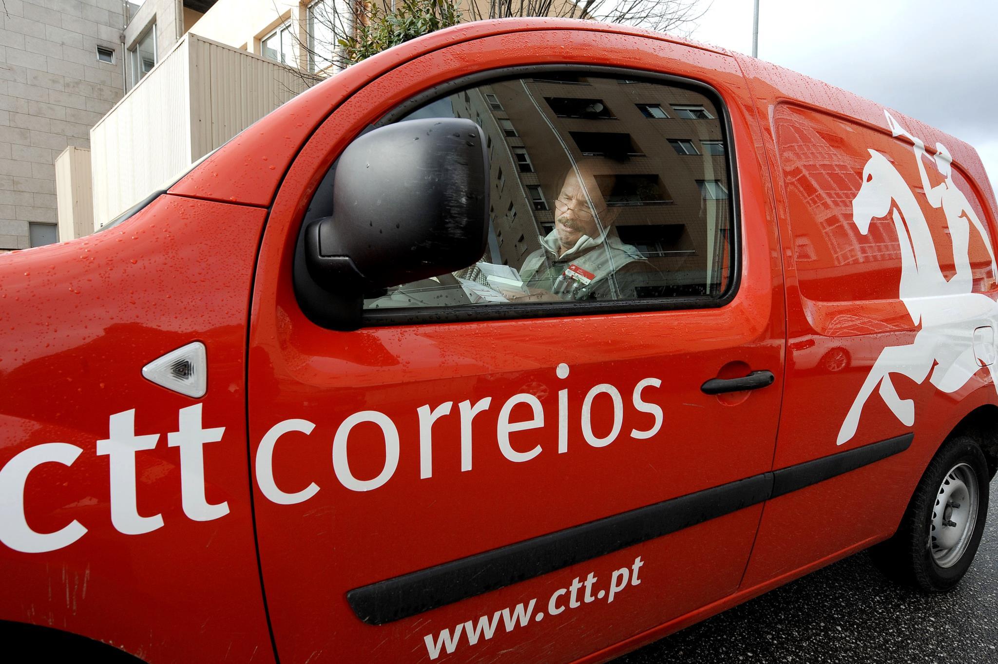 ... freguesia de Rio Tinto reuniram com a administração dos CTT. Na cidade  do Porto, o Partido Comunista organizou uma manifestação contra fecho de  correios ...