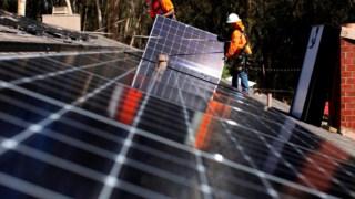 Importação de painéis solares para os EUA vai ter taxas elevadas