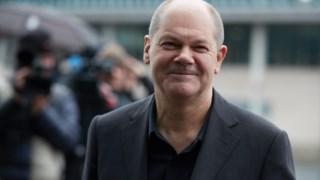 Olaf Scholz promete um estilo diferente na política europeia