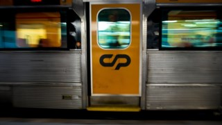 A greve implicaria a paralisação total dos comboios na segunda-feira, afectando também os serviços de domingo e terça-feira
