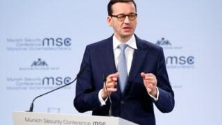 Mateusz Morawiecki durante a conferência sobre a segurança que decorre em Munique