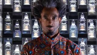 O homem eternamente na sombra, virtuoso compositor, cantor, produtor e multi-instrumentista (pianista de formação) nascido em Detroit, cidade da Motown e de alguma da nata do hip-hop