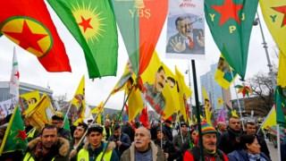 Manifestação pró-curda em Genebra, frente à ONU, contra a intervenção em Afrin e com cartazes do líder do PKK