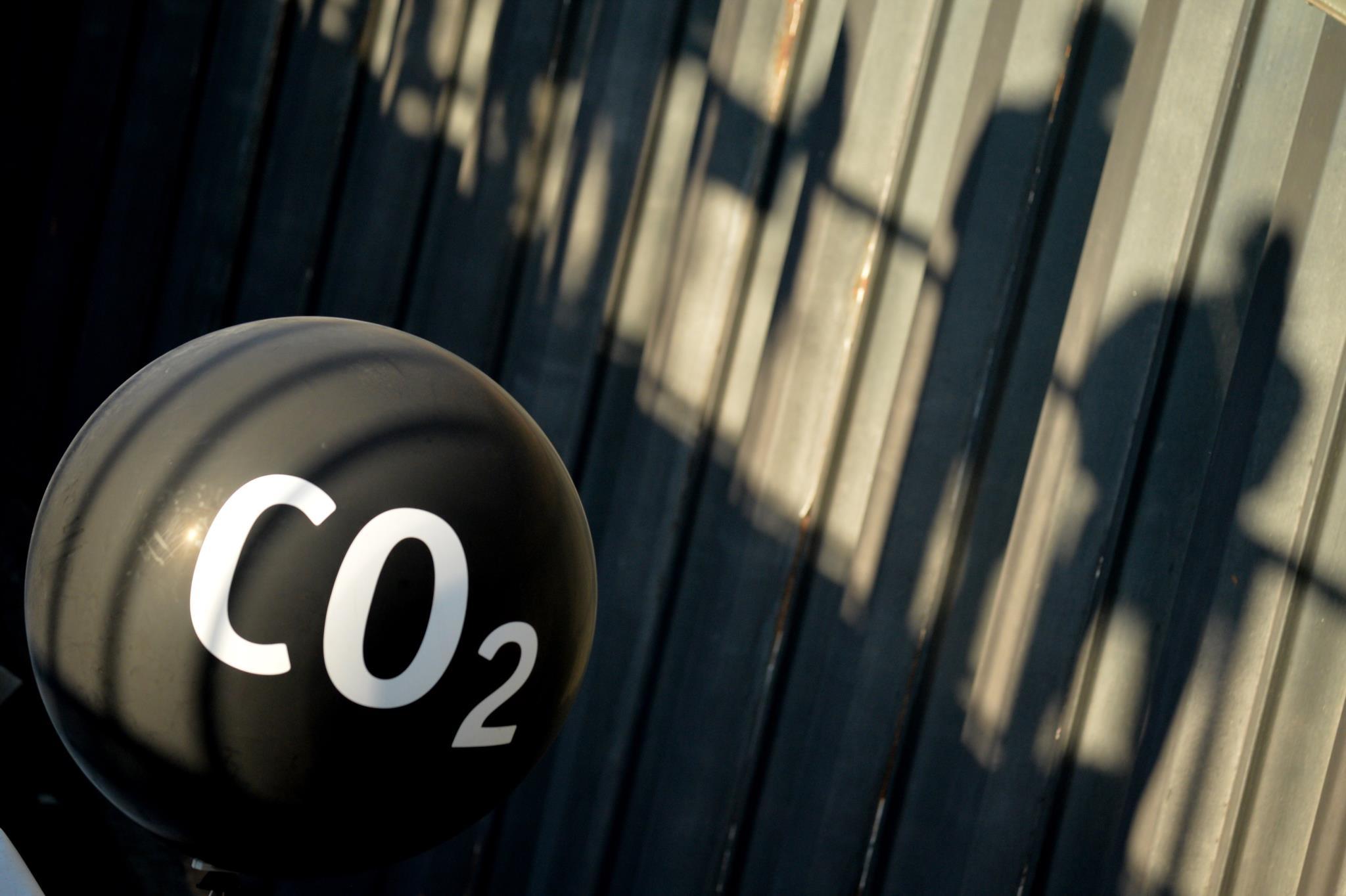 Resultado de imagem para imposto sobre carbono