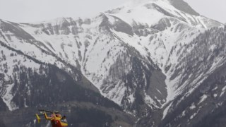 A polícia francesa anunciou que a operação de resgate continua em curso