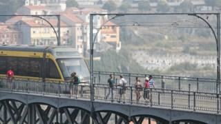Em causa estão cerca de 100 mil notificações na Metro do Porto e na STCP, das quais 90 mil são da Metro