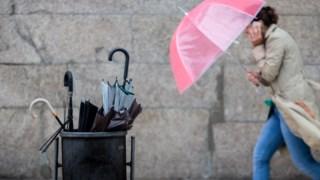 O IPMA emitiu aviso amarelo para os distritos de Leiria, Santarém, Lisboa, Setúbal, Beja e Faro para a noite e manhã de sábado